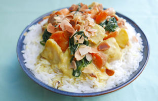 Curry de légumes aux amandes & lait de coco
