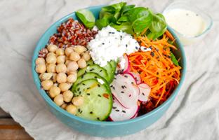 Buddha bowl & sauce yaourt au cumin