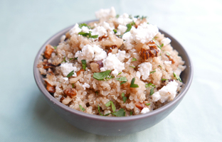Quinoa aux noix, citron feta, aneth & persil