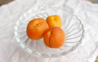 Lot de deux abricots du Gard