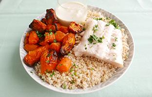 Filet de merlu, boulgour carottes rôties & sauce curry coco
